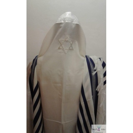 Embroidery Magen David on the back of the Tallit