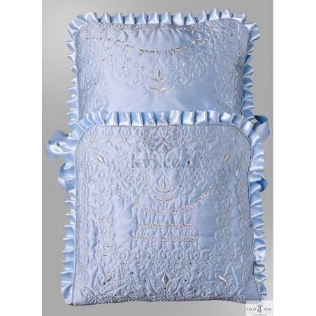 Pillow brit mila
